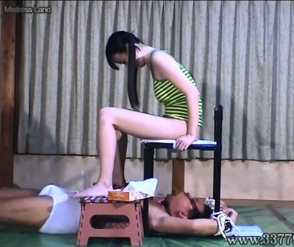 [MLDO-076] 3姉妹の舐め犬黄金便器 M男スカトロ放尿甲斐ミハル 女王様 乱交食糞顔面インプレッション